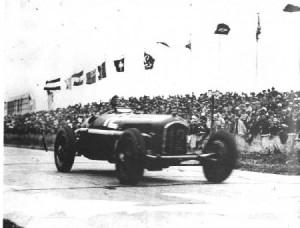 Tazio-Nuvolari-Nurburgring-1935-450x342