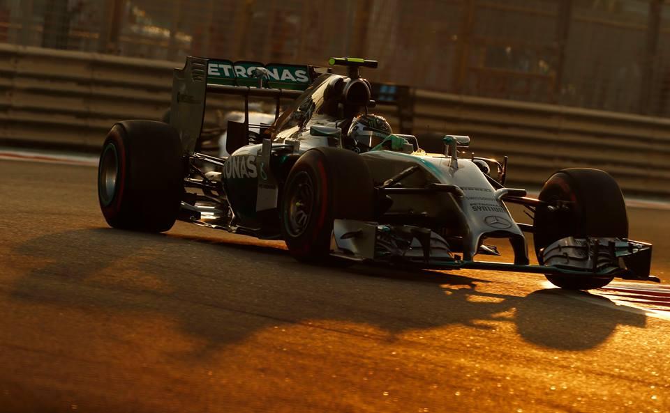 Rosberg in azione durante le qualifiche